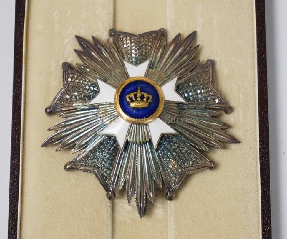 ENAMELED MILITARY ORDER BREAST STAR WITH A CROWN IN THE