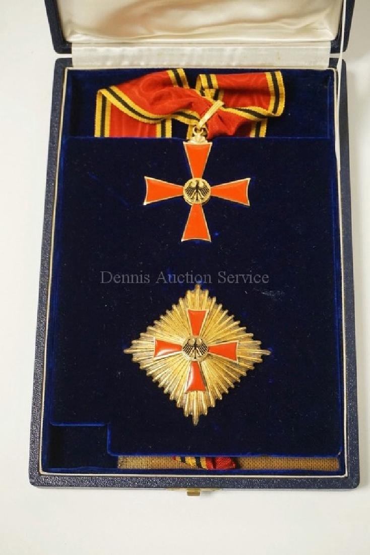 ENAMELED GERMAN MERIT FIRST CLASS OFFICERS CROSS SET IN