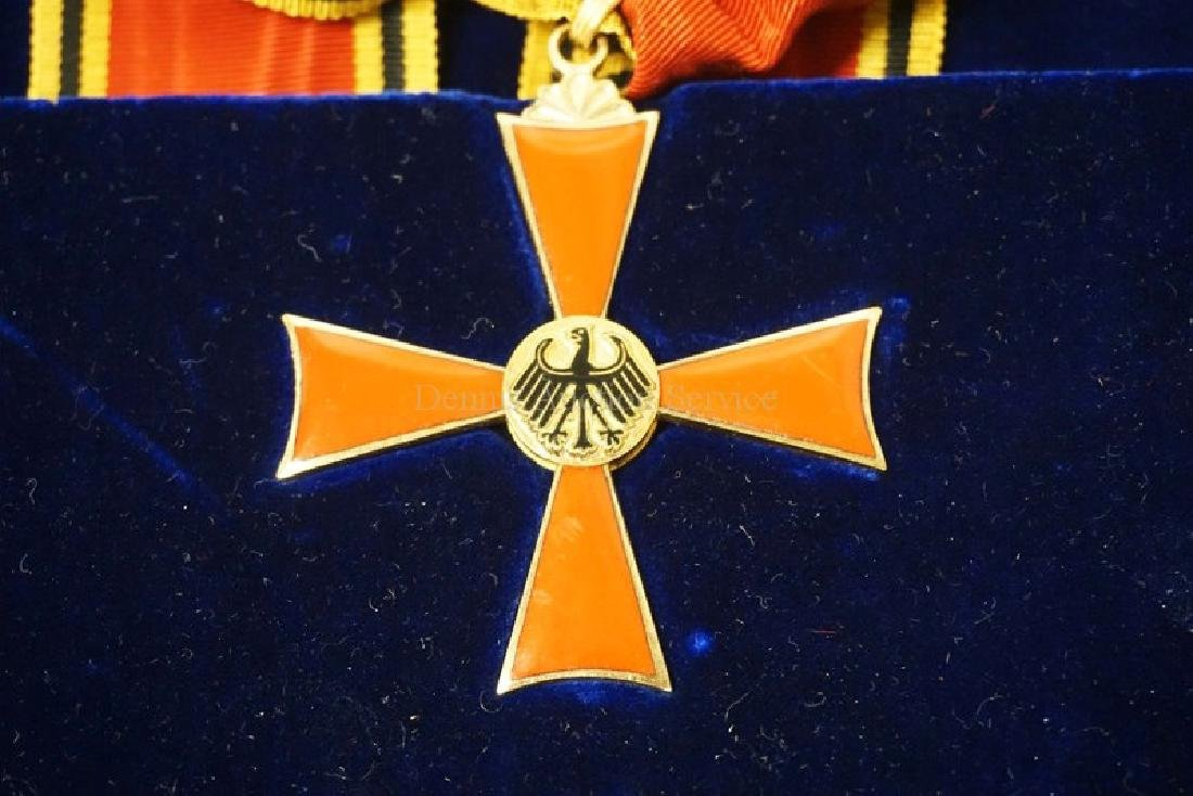 ENAMELED GERMAN MERIT FIRST CLASS OFFICERS CROSS SET IN - 3