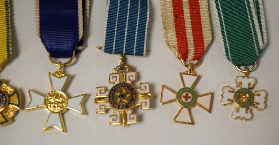 LOT OF 8 SMALL MILITARY ORDER PENDANTS. - 3