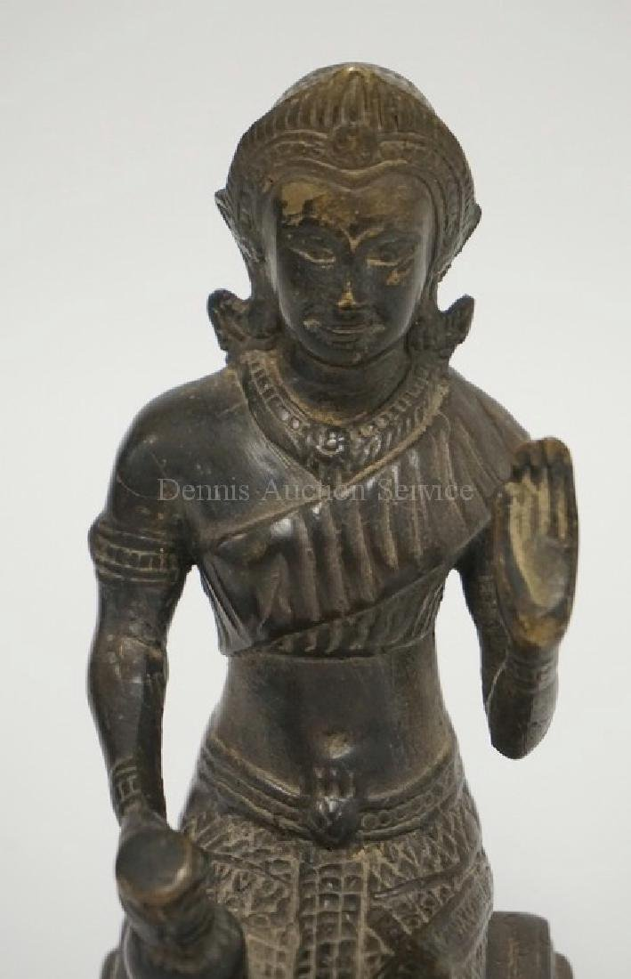 SOUTHEAST ASIAN/SINO TIBETAN BRONZE FIGURE. - 2