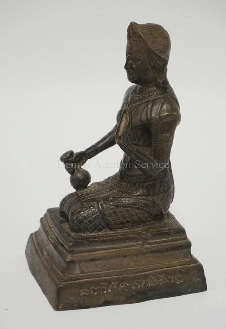 SOUTHEAST ASIAN/SINO TIBETAN BRONZE FIGURE. - 3