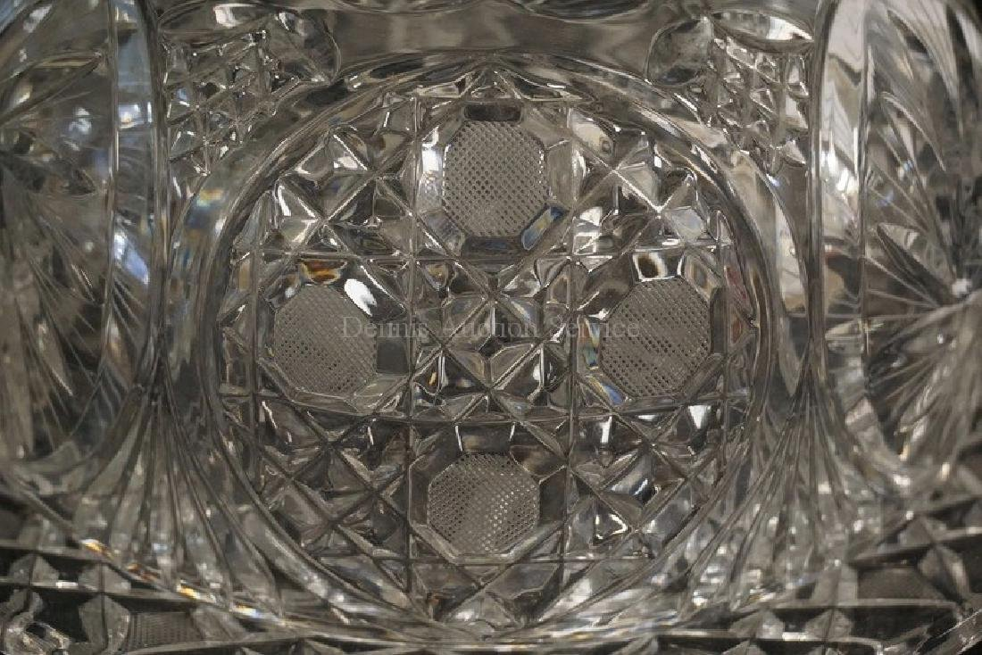 LARGE PRESSED AND CUT CRYSTAL COVERED CHEESE DOME. 7 - 2