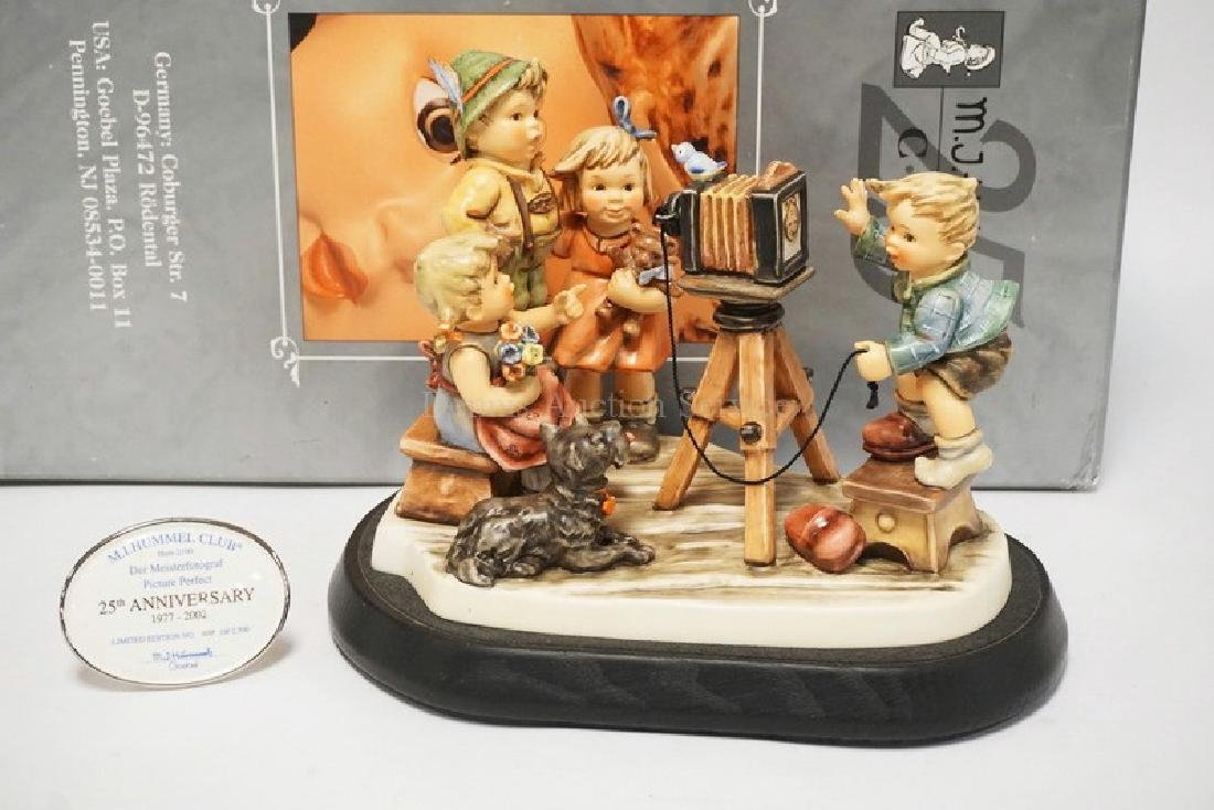 HUMMEL #2100 *PICTURE PERFECT* LIMITED EDITION FIGURE