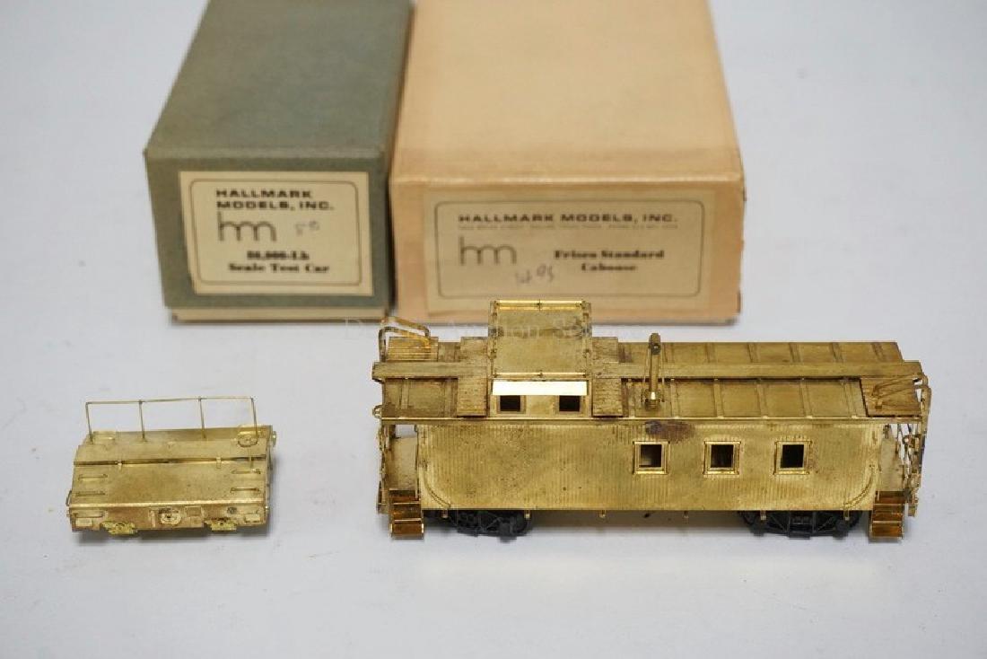 LOT OF 2 BRASS HO SCALE TRAIN CARS BY HALLMARK MODELS,