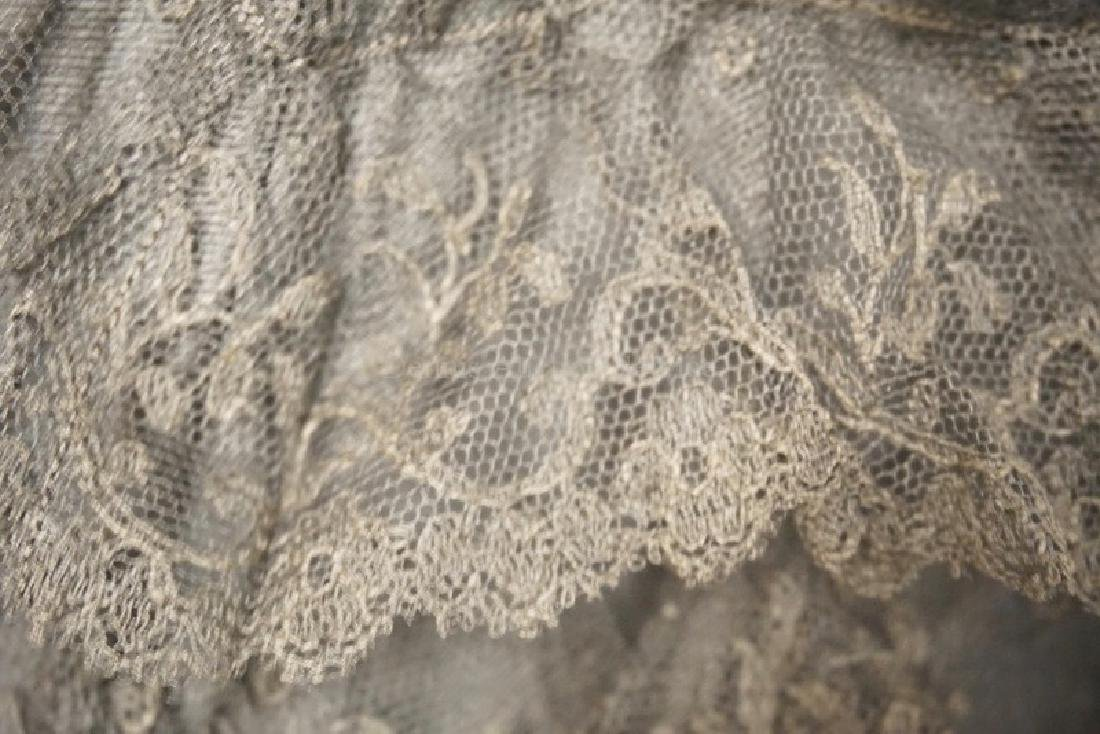 EARLY HAND WORKED LACE PARASOL WITH A CARVED HANDLE, - 3