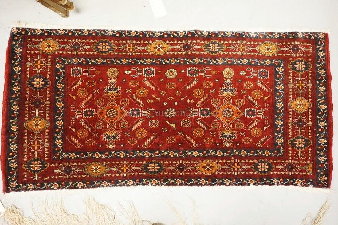 SMALL ANTIQUE ORIENTAL RUG MEASURING 4 TT X 1 FT 11