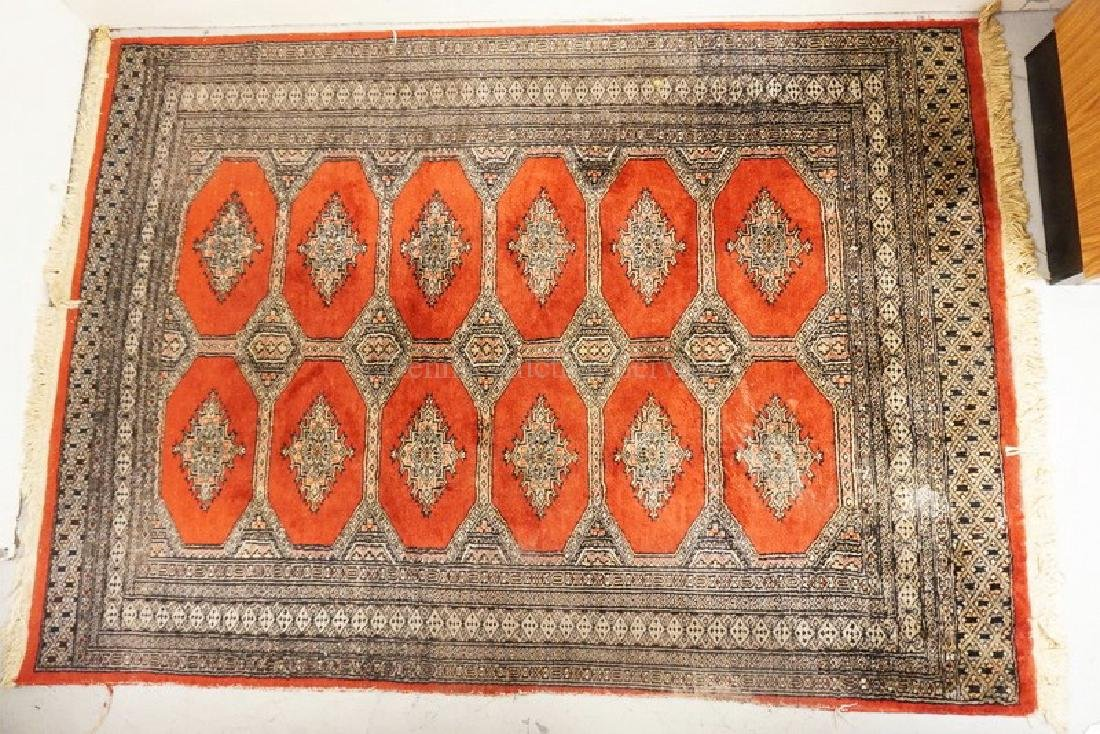 ANTIQUE ORIENTAL RUG MEASURING 5 FT 11 INCHES X 4 FT 3