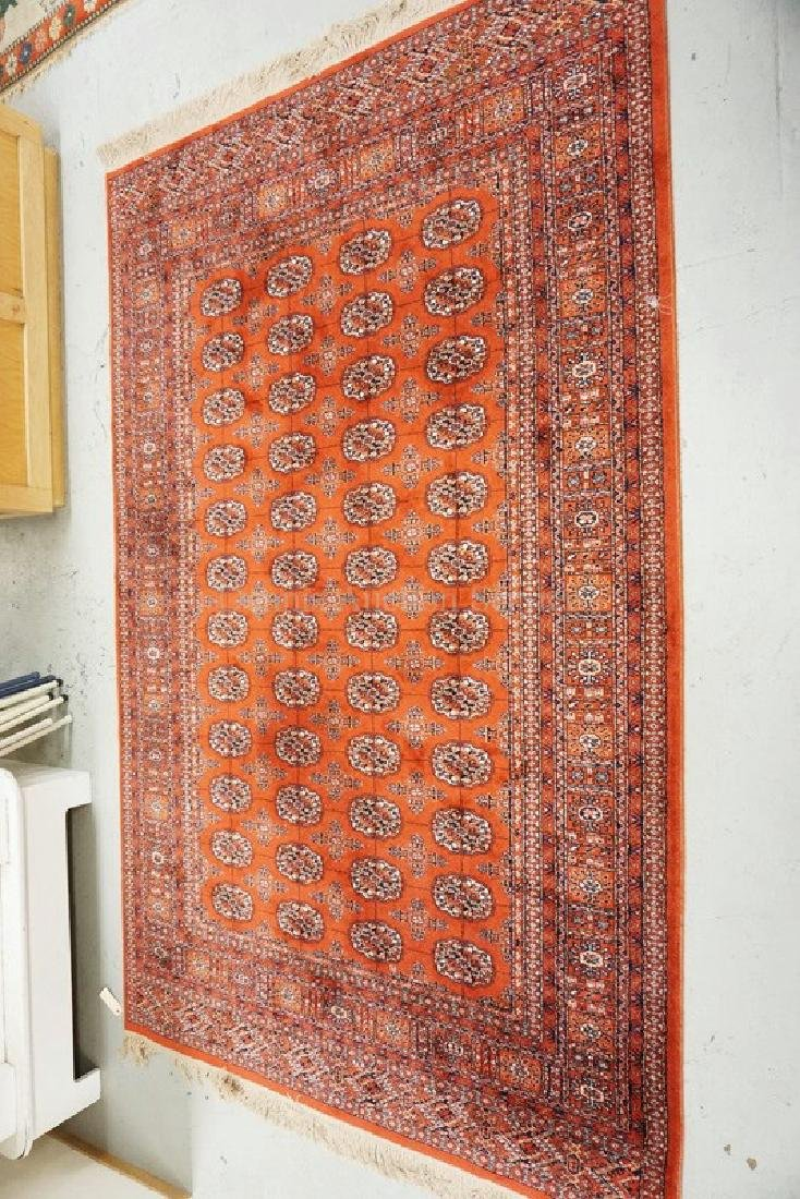 ORIENTAL RUG MEASURING 9 FT 2 INCHES X 5 FT 9 INCHES.