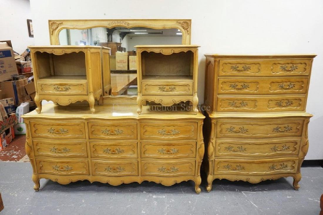 4 PIECE BEDROOM SET WITH RECESSED PANELS AND A MUSTARD