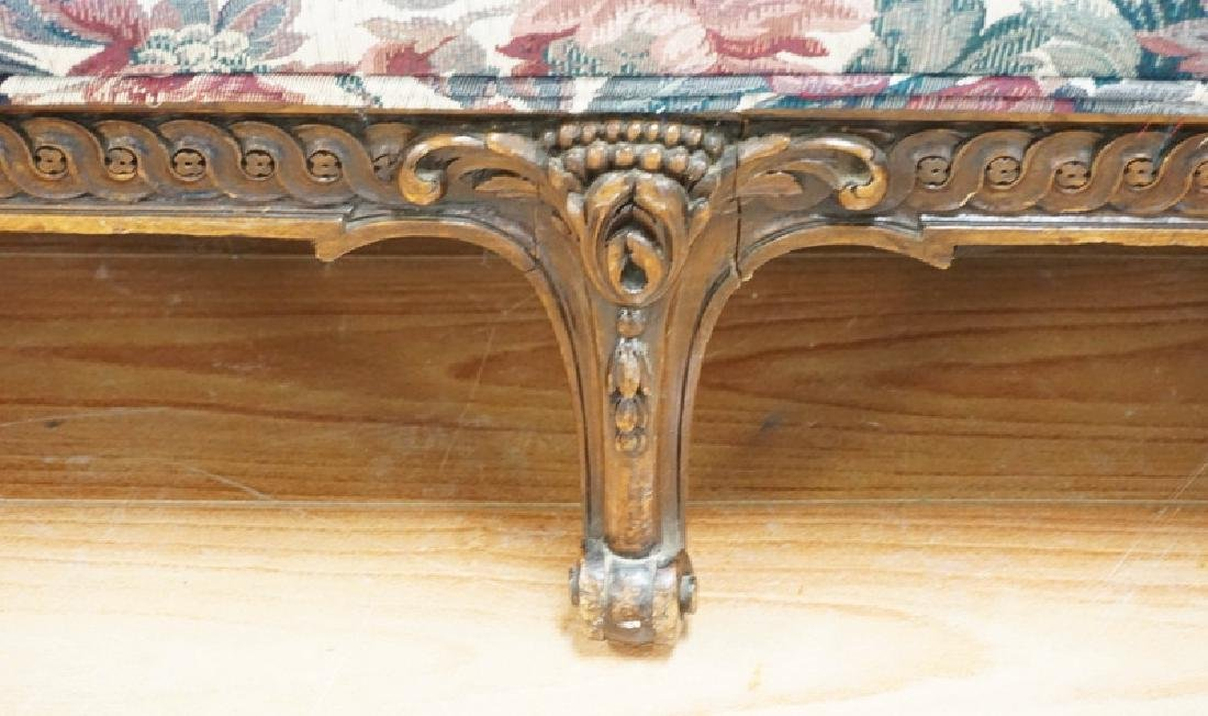 ORNATELY CARVED WALNUT SOFA WITH A FLORAL PATTERN - 3
