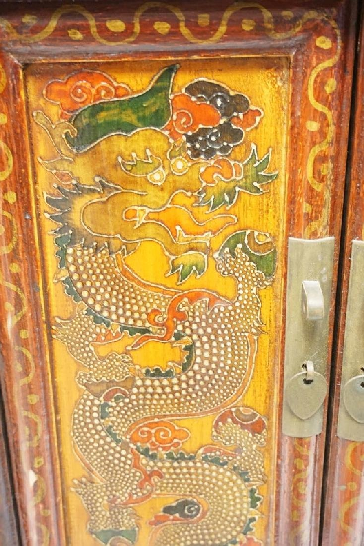 ASIAN CABINET WITH POLYCHROME DECORATIONS OF DRAGONS - 2