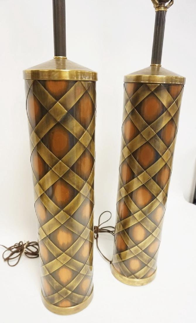PAIR OF MCM COPPER AND BRASS CYLINDRICAL TABLE LAMPS. - 2