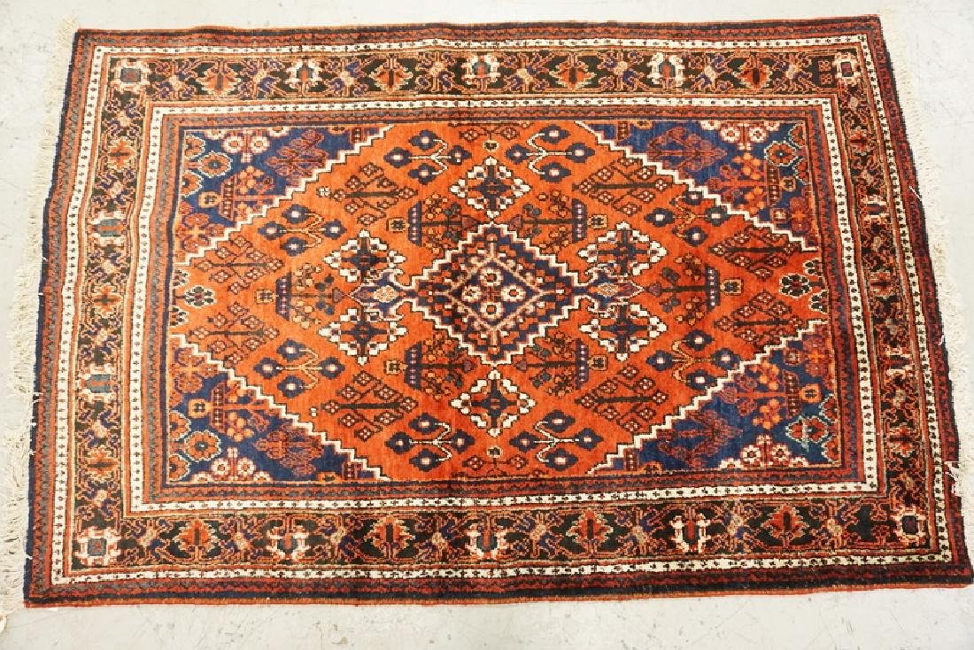 HAND WOVEN ORIENTAL RUG MEASURING 6 FT 10 X 4 FT 5