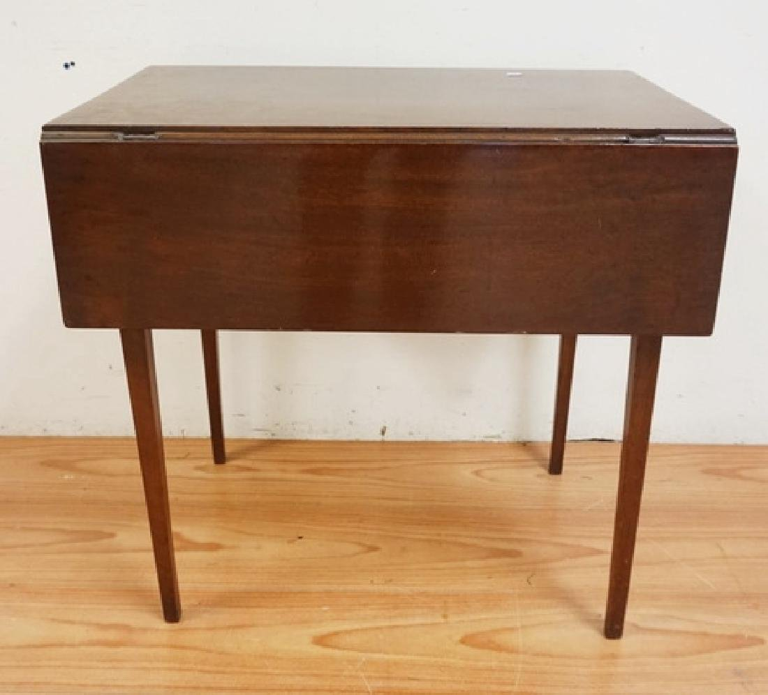 ANTIQUE DROPLEAF TABLE WITH TAPERED SQUARE LEGS. 28