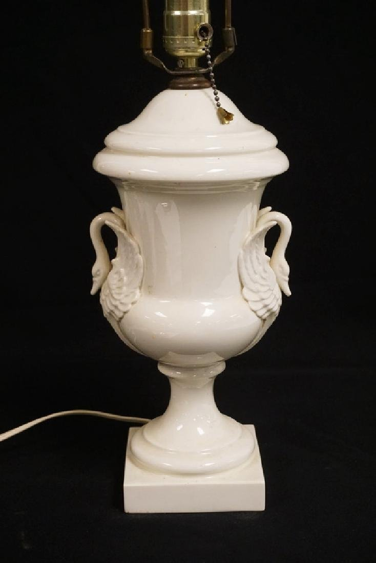 LENOX PORCELAIN TABLE LAMP MEASURING 26 1/2 INCHES