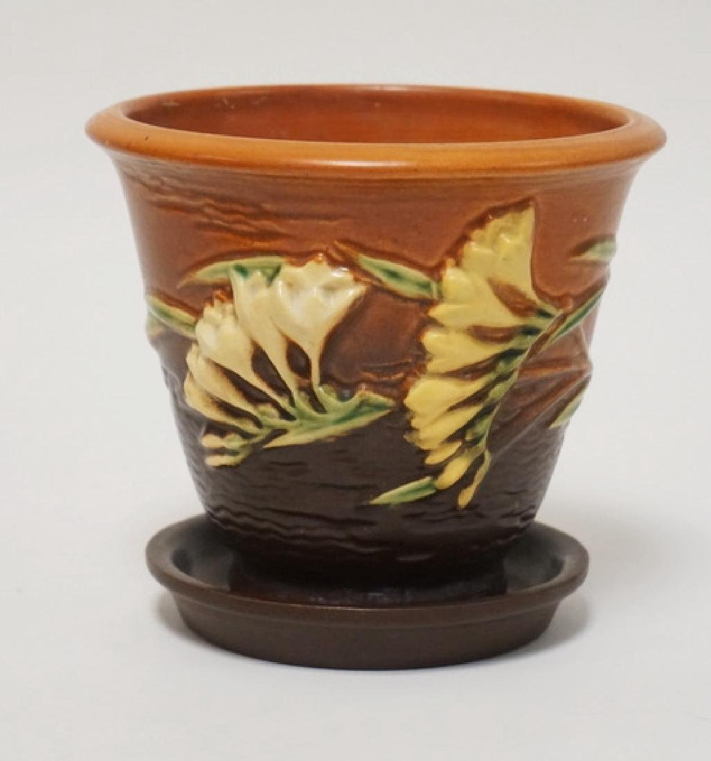 ROSEVILLE POTTERY *FREESIA* FLOWER POT AND UNDERPLATE.