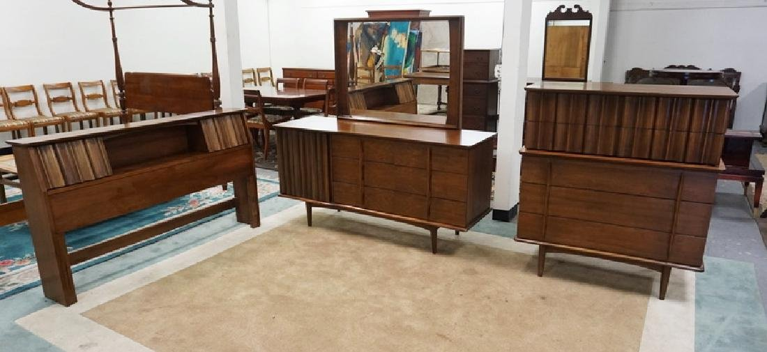 3 PIECE MID CENTURE MODERN BEDROOM SET. LOW CHEST WITH