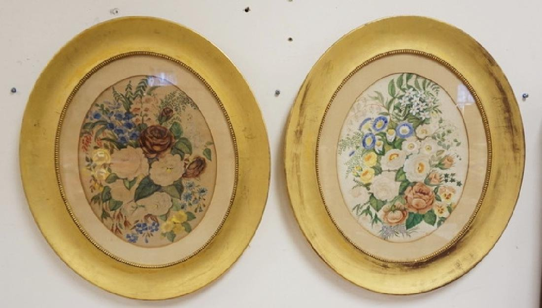 PAIR OF FLORAL PRINTS IN GOLD GILT OVAL FRAMES.