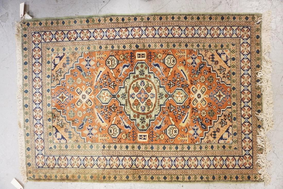 HAND WOVEN ORIENTAL THROW RUG MEASURING 5 FT 2 X 3 FT 8
