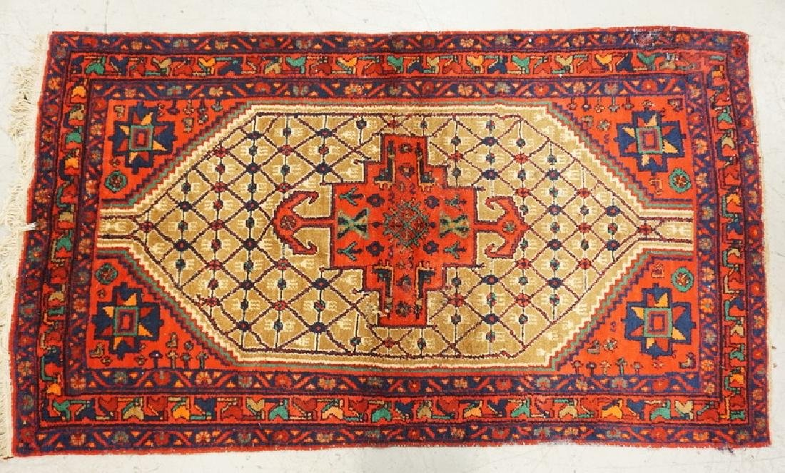 HAND WOVEN ORIENTAL RUG MEASURING 7 FT 1 X 4 FT 2