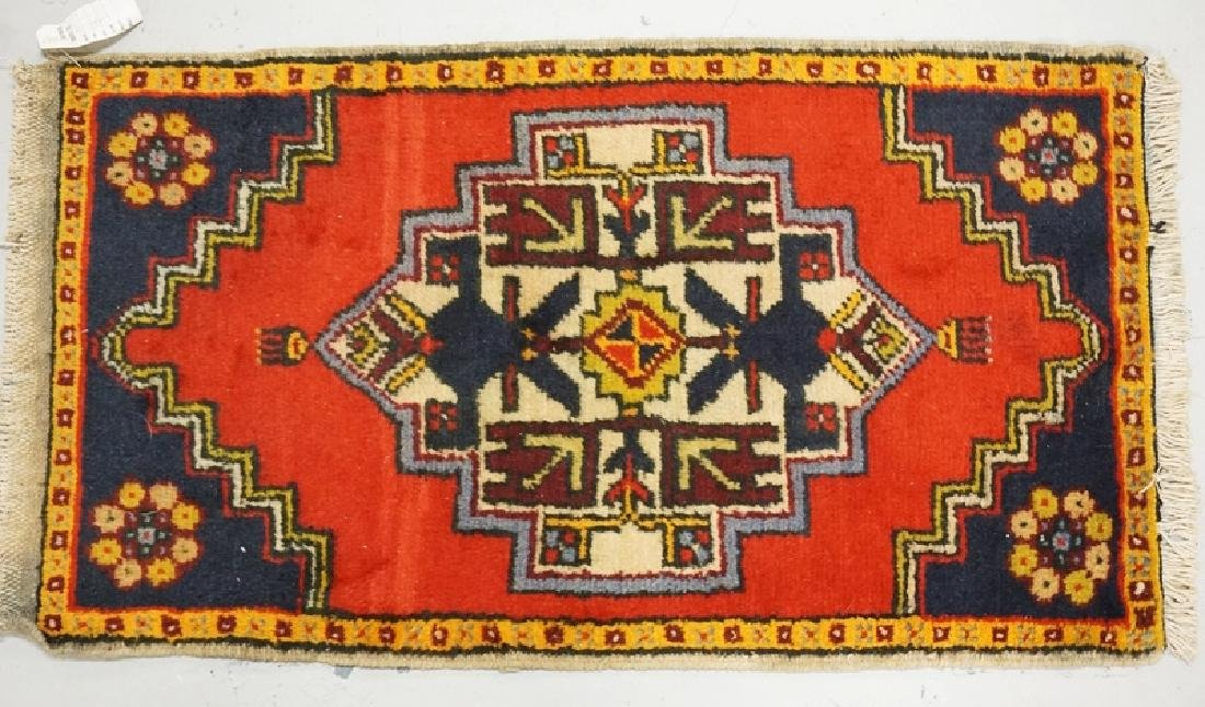 HAND WOVEN ORIENTAL RUG MEASURING 3 FT 3 INCHES X 1 FT