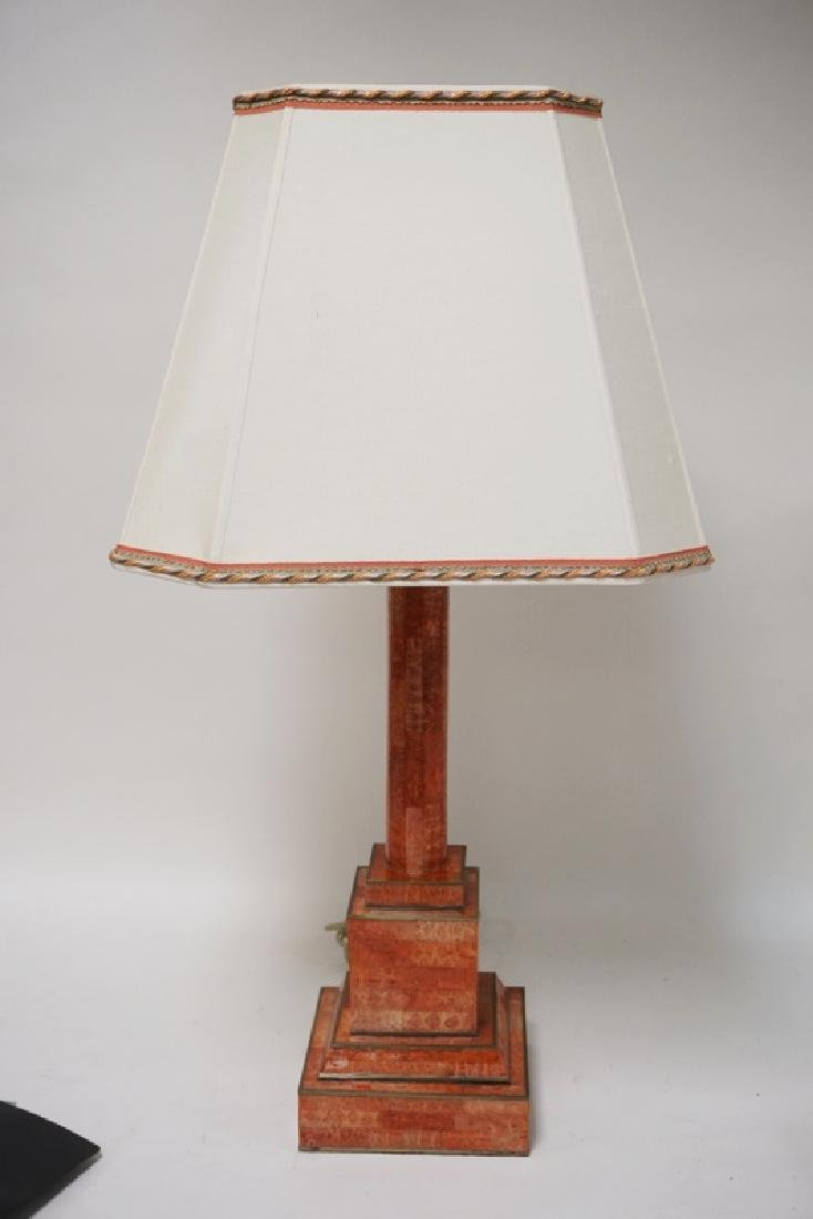 CONTEMPORARY TABLE LAMP HAVING A FAUX MARBLE LOOK.