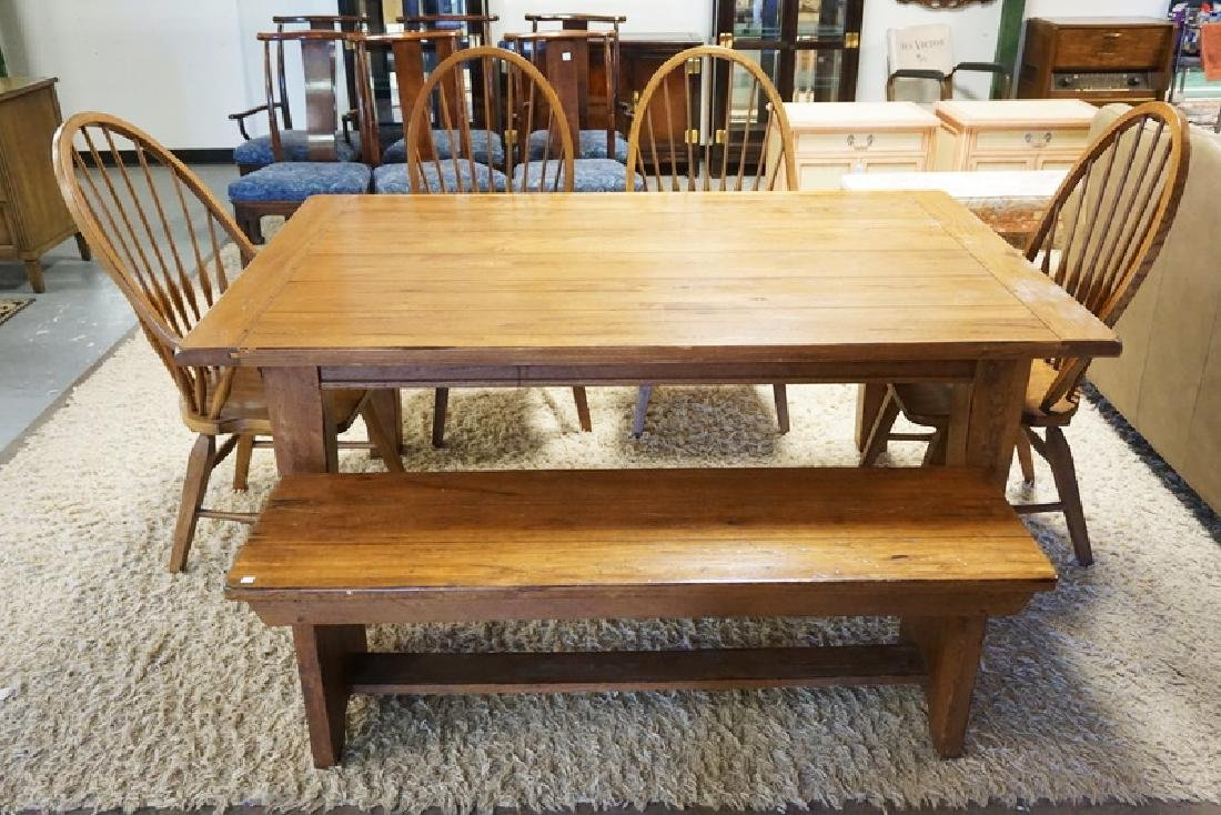 OAK DINING TABLE WITH 4 CHAIRS. HAS 2 ADD ON LEAVES FOR