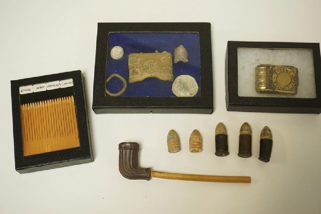 GROUPING OF CIVIL WAR ERA ARTIFACTS. INCLUDES A CLAY