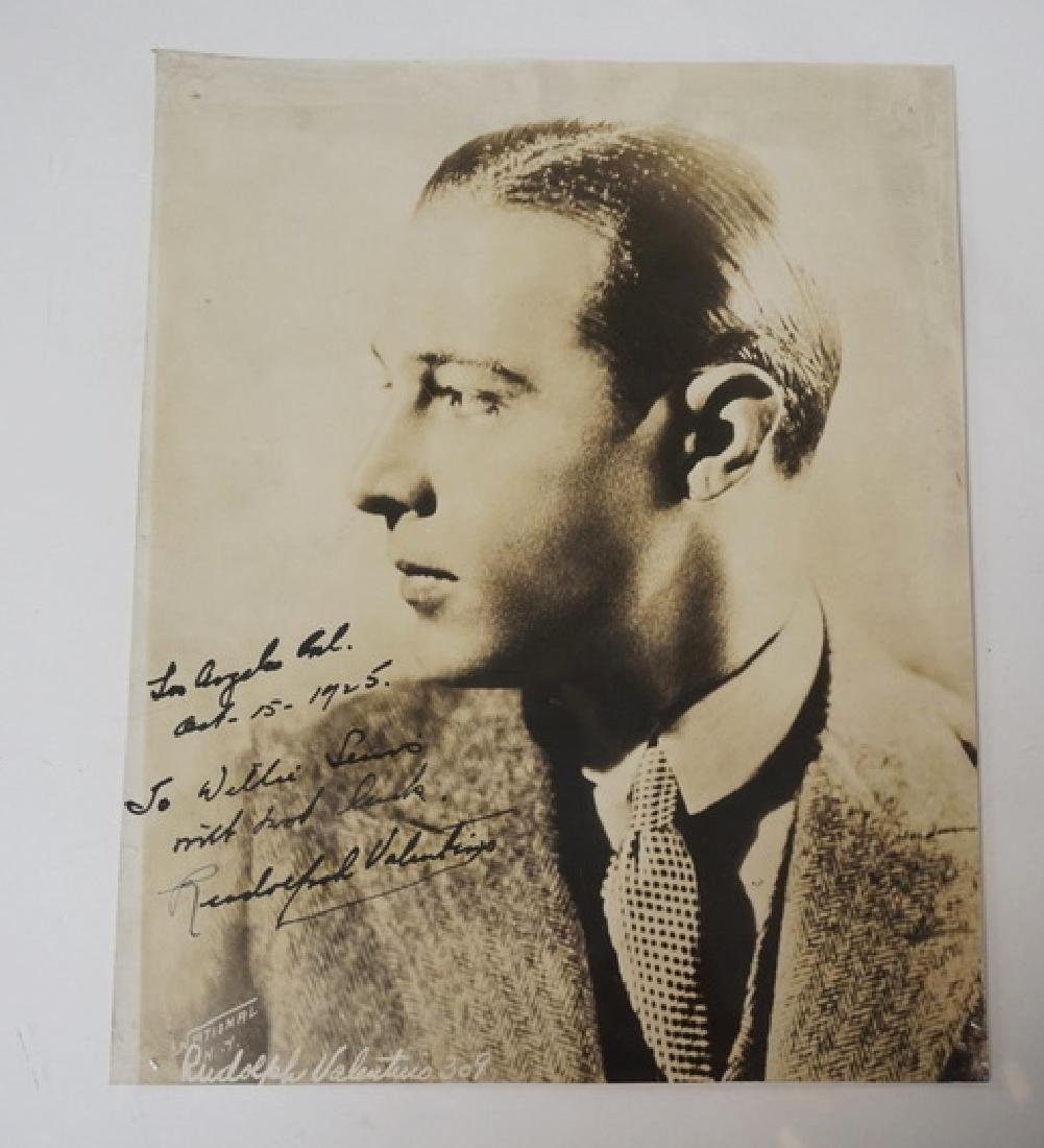 RUDOLPH VALENTINO SIGNED PHOTOGRAPH. DATED 1925. HAS A