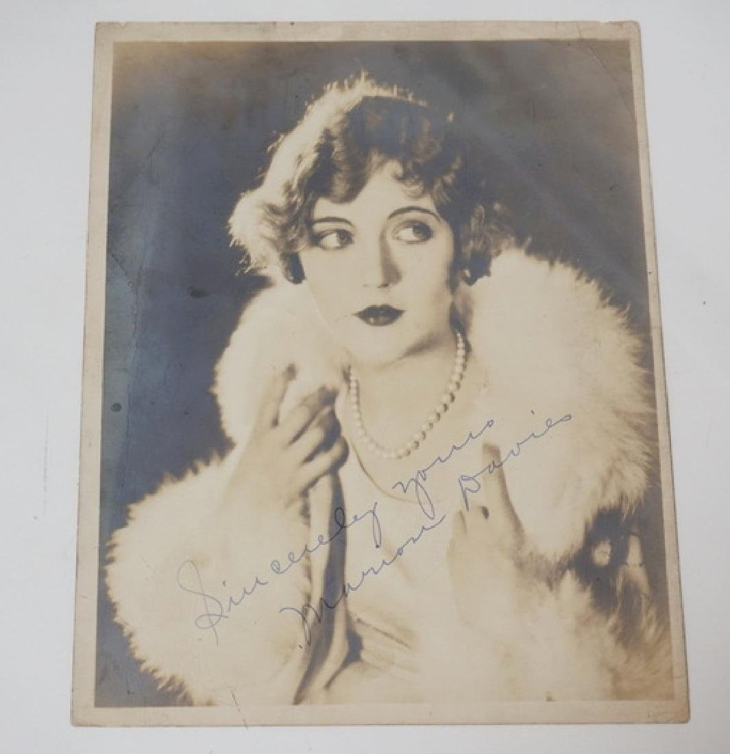 MARION DAVIES SIGNED PHOTOGRAPH. 7 3/4 X 10 INCHES.