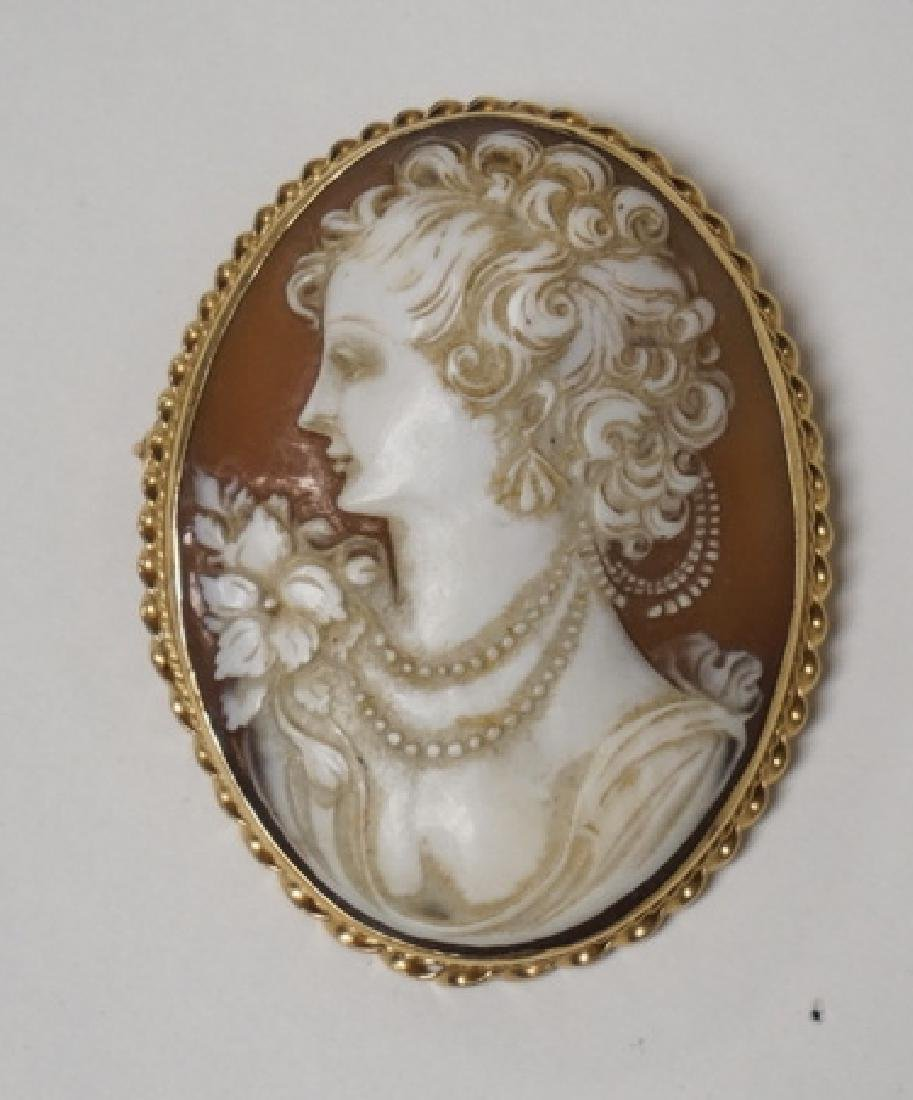 LARGE 14K GOLD CARVED CAMEO BROOCH./PENDANT. 2 1/8 X 1