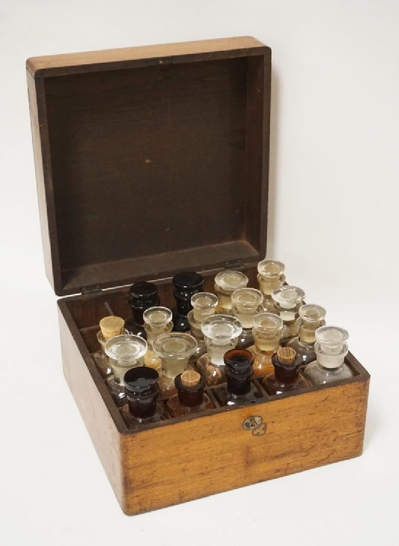 ANTIQUE DOCTORS MEDICINCE CASE WITH LOCK AND KEY.