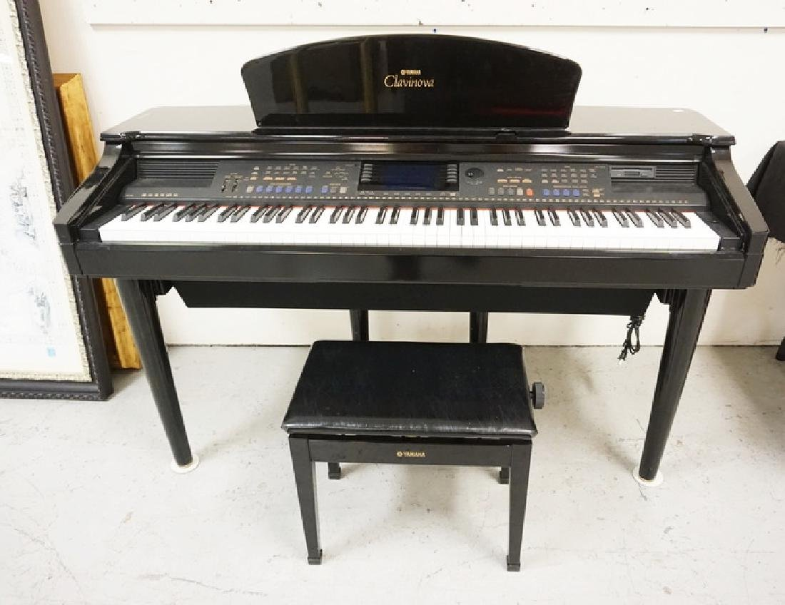 YAMAHA CLAVINOVA. BLACK LACQUER FINISH. COMES WITH