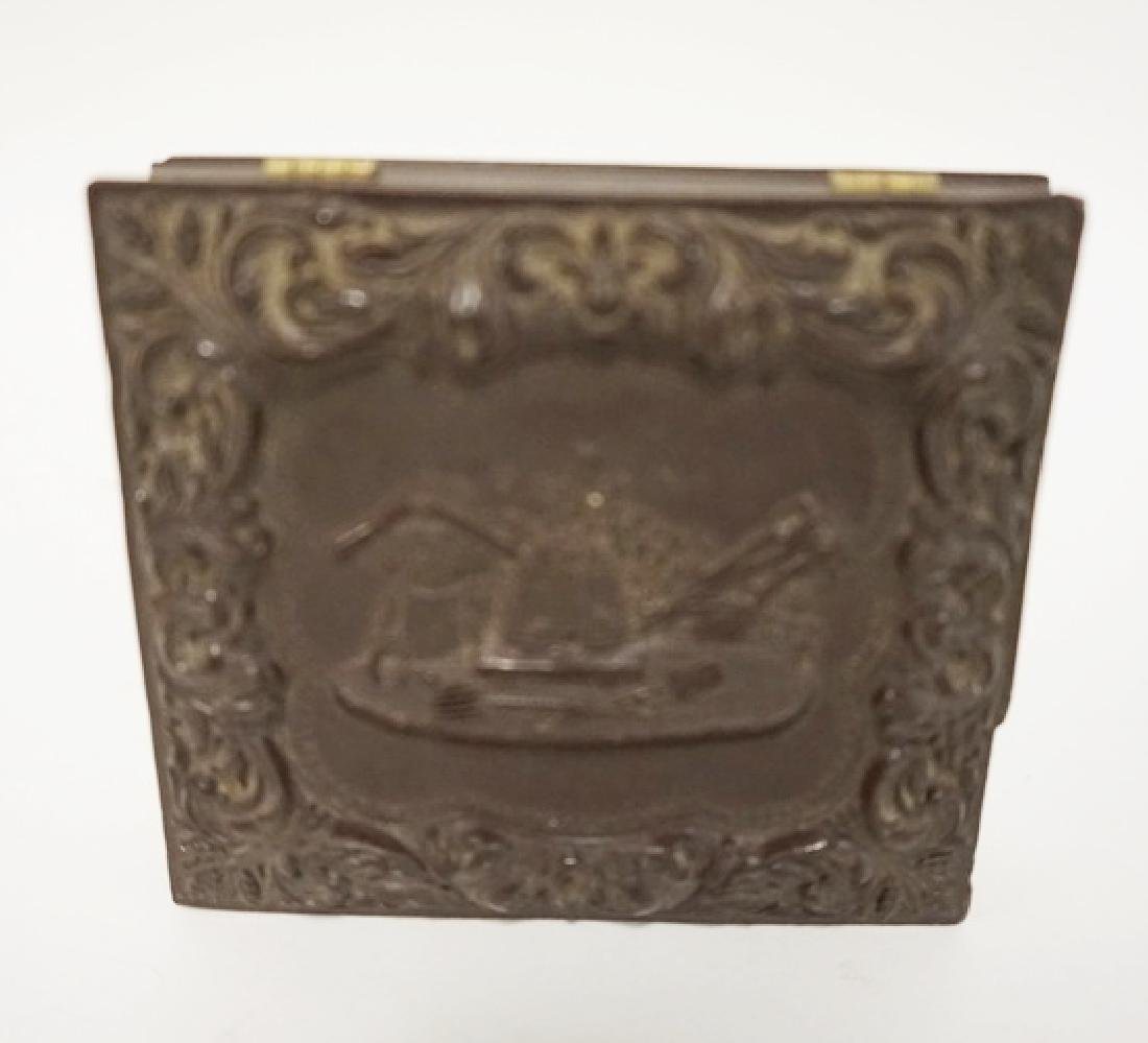 HARD CASED DOUBLE IMAGE, A LADY AND A GENTLEMAN. CASE - 2