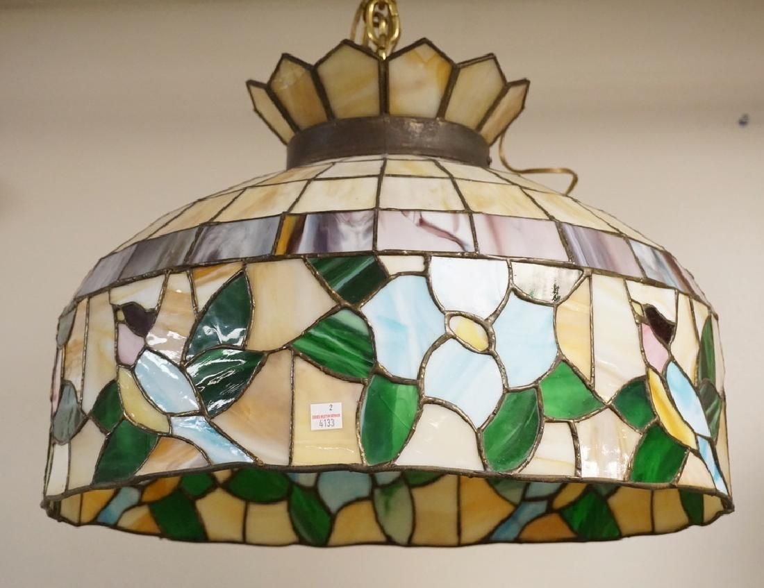 LEADED GLASS HANGING LIGHT FIXTURE. DECORATION INCLUDES
