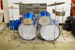 LUDWIG 1968 VINTAGE DRUM SET, CONSISTS OF 6 PEARLIZED