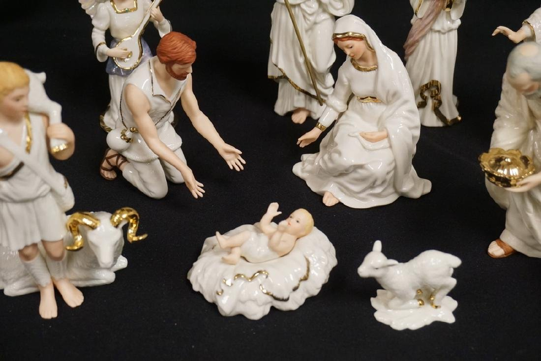11 PIECE LENOX NATIVITY SET WITH BOXES. 2 OF THE KINGS - 2