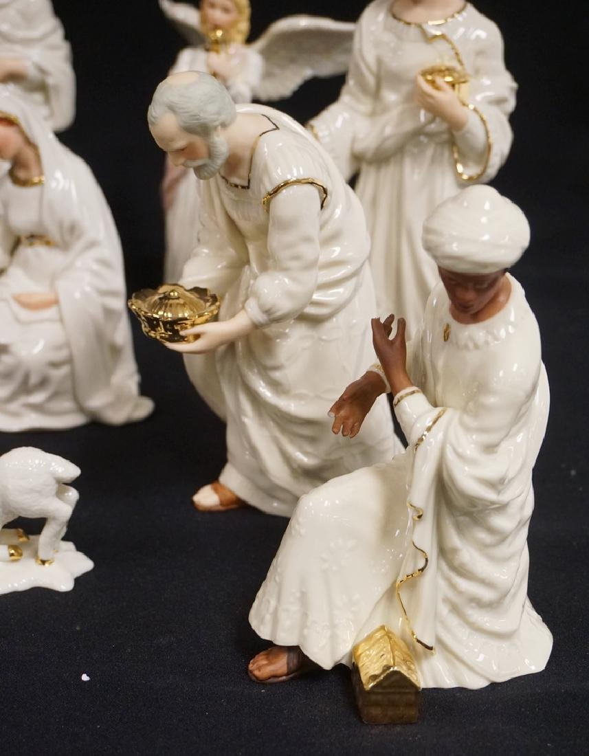 11 PIECE LENOX NATIVITY SET WITH BOXES. 2 OF THE KINGS - 3