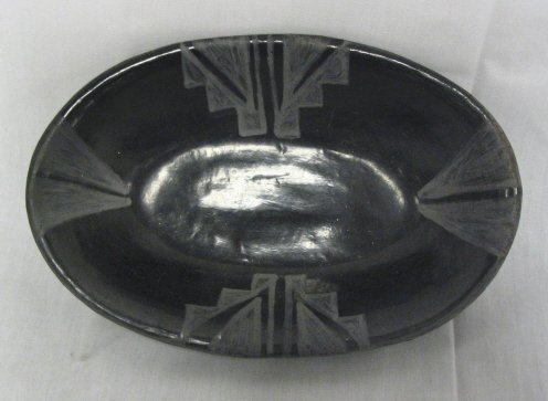 1024: BLACK INDIAN POTTERY OVAL BOWL