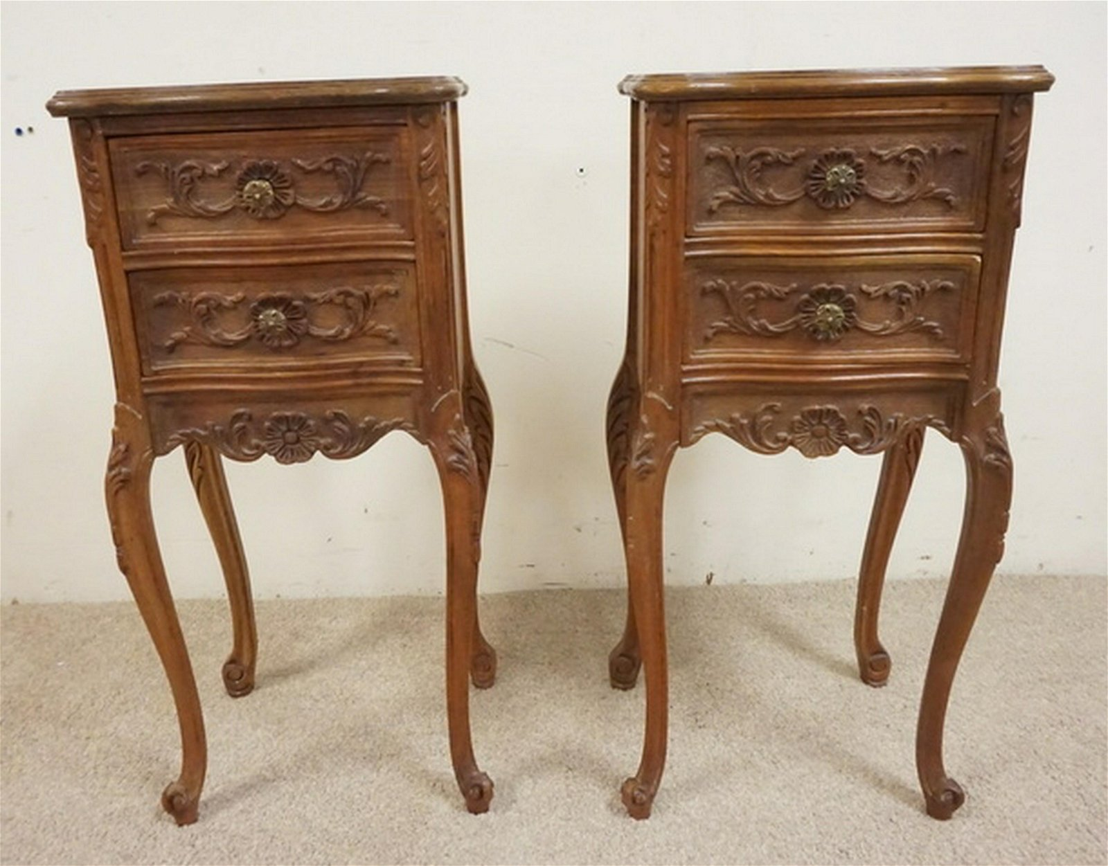 PAIR OF CARVED WALNUT NIGHTSTANDS