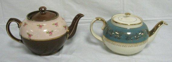 1002: LOT OF 2 DECORATED SADLER TEA POTS