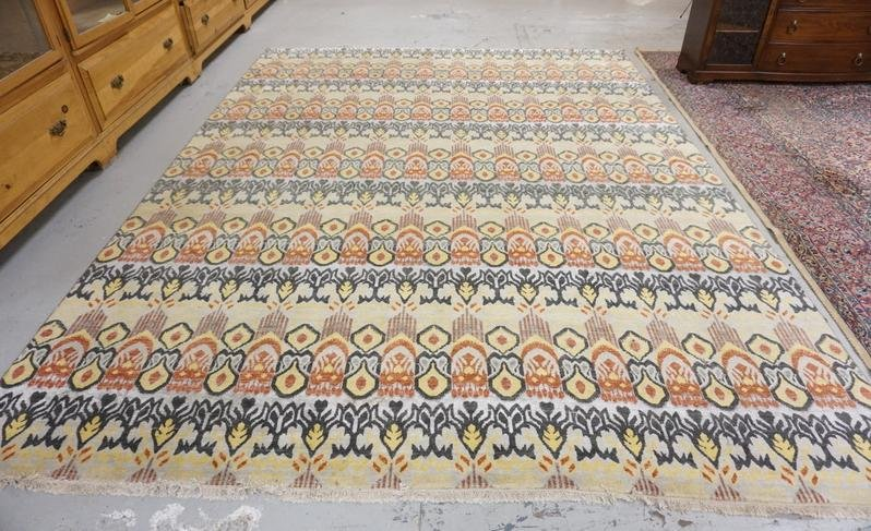 COLORFUL ROOM SIZE RUG