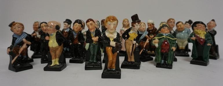 26 ROYAL DOULTON SMALL FIGURES DICKENS