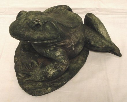 2004: POTTERY FROG ORNAMENT