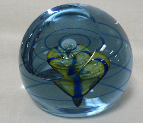 10: CAITHNESS ALEXANDRITE PAPERWEIGHT; FACETED AND HAS