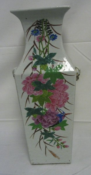 1022: TALL HAND PAINTED ORIENTAL VASE; HAS CHARACTER WR