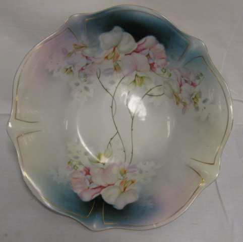 1022: DECORATED BAVARIAN BERRY BOWL; 10 1/8 IN