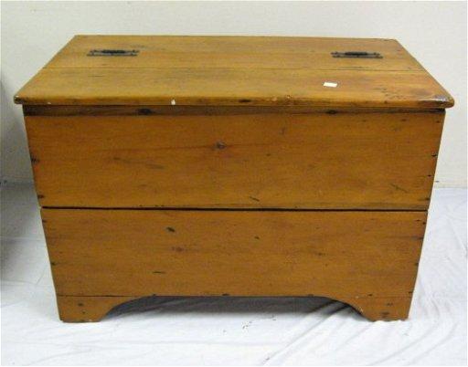 295 3 Section Wooden Feed Bin 42 34 In W 29 14 In Sep 26