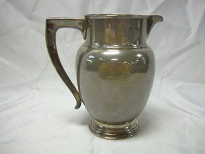 2007: STERLING (W.E. 43 WHITING) ICE WATER PITCHER; 22.